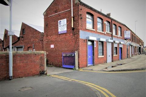 Property to rent - 280 Tong Road, Whingate Junction, Armley, Leeds, West Yorkshie
