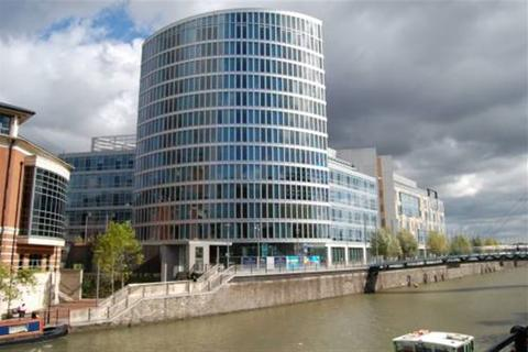 2 bedroom flat to rent - The Eye, Glass Wharf, Temple Quay, Bristol