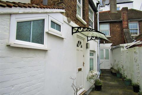 2 bedroom cottage to rent - Capstan Row, Deal, Kent