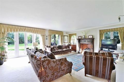 6 bedroom house for sale - Grange Gardens, Farnham Common