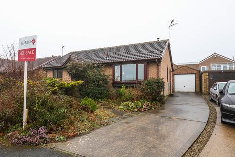 2 bedroom detached bungalow for sale - Helmsley Avenue, Halfway