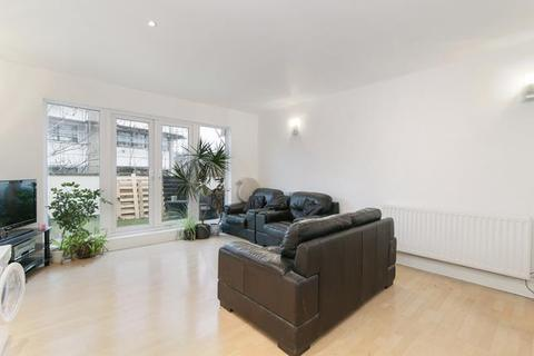 4 bedroom maisonette for sale - Southwark Park Road, London, SE16 3TY