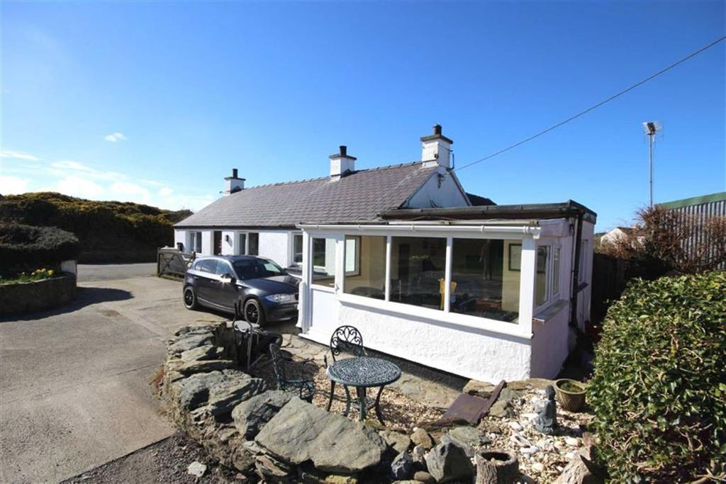 3 Bedrooms Cottage House for sale in Burwen, Amlwch, Anglesey, LL68