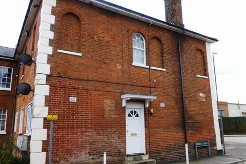 2 bedroom flat to rent - Dickens Court, Station Road, Staplehurst, Kent TN12 0QH