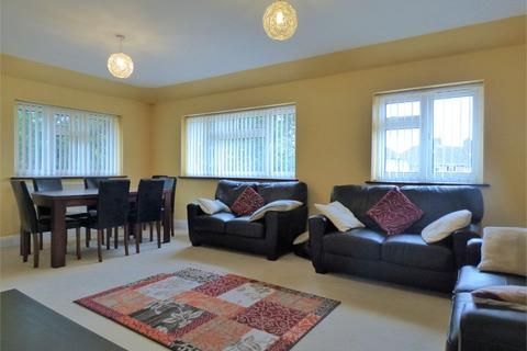 3 bedroom flat to rent - Bryony Close, Uxbridge, Greater London