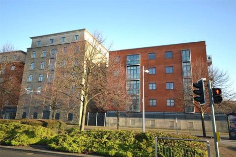 2 bedroom apartment to rent - South Mews, Magretian Place, Cardiff, CF10