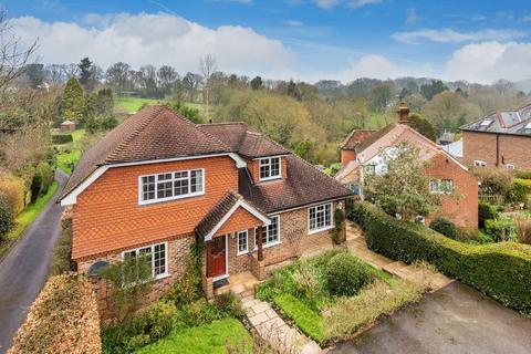 4 bedroom detached house for sale - The Street, Dockenfield, Farnham