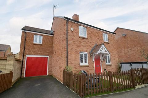 4 bedroom detached house for sale - Falldor Way, Ampthill