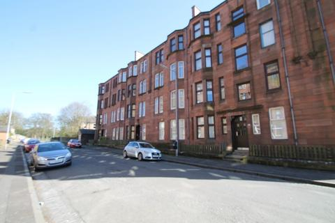 3 bedroom flat to rent - St. Monance Street, Springburn, G21 4UL