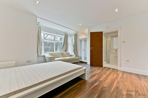 1 bedroom in a flat share to rent - Godstone Road, Kenley