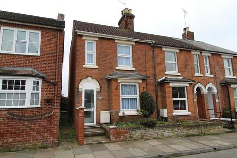 2 bedroom end of terrace house for sale - Campion Road, New Town, Colchester