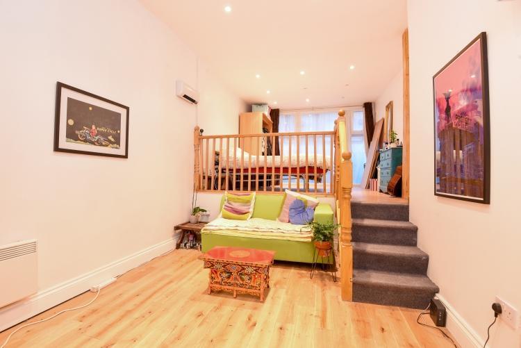Image 1 Of 7 Lounge And Mezzanine