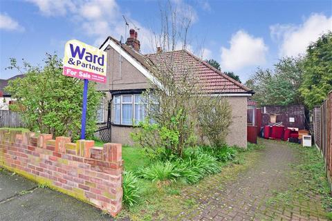 2 bedroom semi-detached bungalow for sale - Castleton Avenue, Barnehurst, Kent