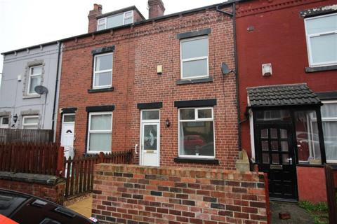 4 bedroom townhouse to rent - Aston Terrace, Bramley, LS13