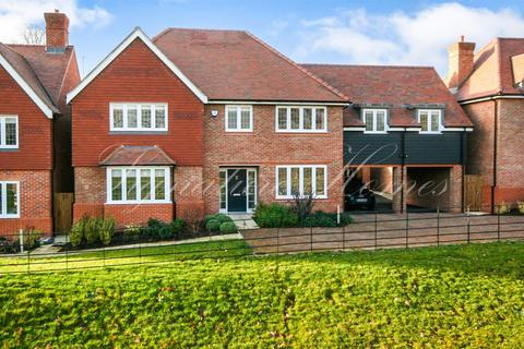 6 bedroom detached house for sale - Bowlby Hill, Gilston