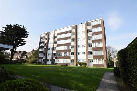 2 bedroom flat for sale - Lindum Court, Branksome, Poole, BH12