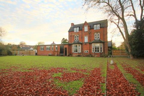 2 bedroom apartment to rent - Stone Road, Eccleshall, Stafford
