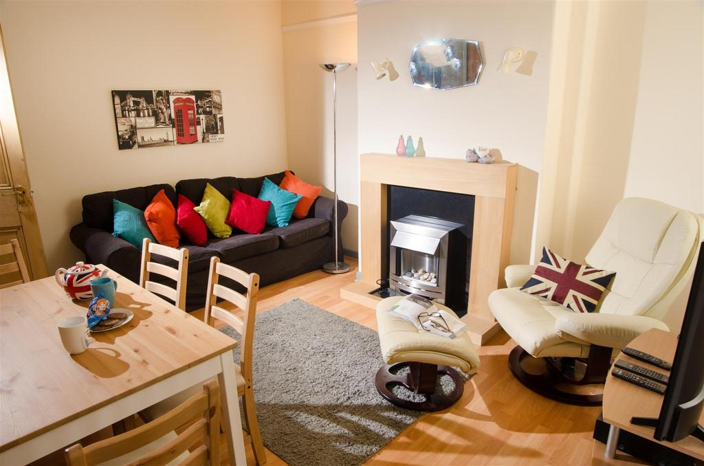 chatsworth road lancaster 3 bed private hall to rent 1 287 pcm rh onthemarket com