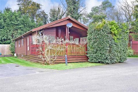 2 bedroom mobile home for sale - Edgeley Park, Farley Green, Guildford, Surrey