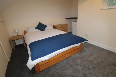 1 bedroom flat to rent - Hope View, Shipley