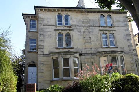 2 bedroom flat to rent - Chertsey Road, Clifton,