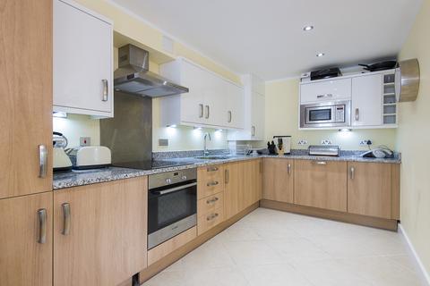 2 bedroom flat to rent - Cubitt Apartments, SW11