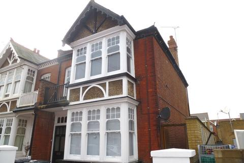 2 bedroom flat to rent - Gosfield Road, Herne Bay, Kent
