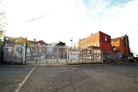 Property for sale - High Road, London