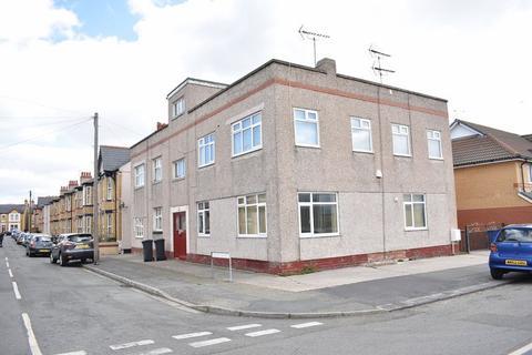 2 bedroom apartment to rent - Marlborough Grove, Rhyl