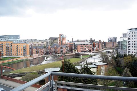 1 bedroom flat to rent - Balmoral Place, 2 Bowman Lane, Leeds, LS10 1HR