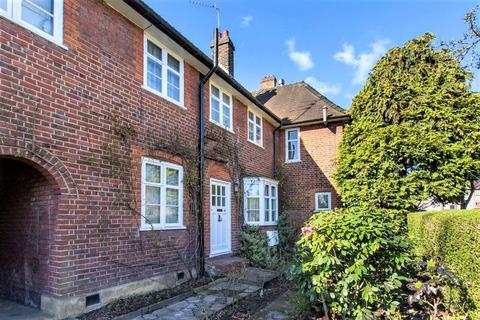 3 bedroom cottage for sale - Addison Way, Hampstead Garden Suburb, NW11