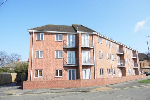 1 bedroom apartment to rent - Derringham Court, Ampleforth Grove
