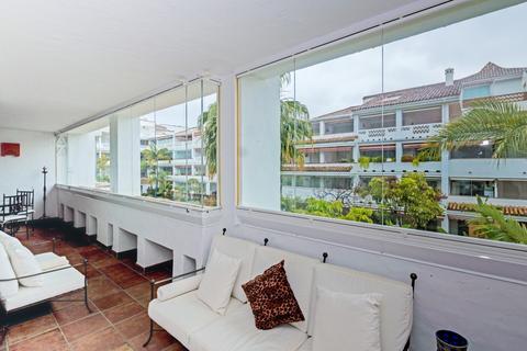 2 bedroom apartment  - Las cañas beach, Málaga