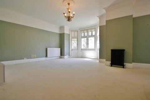 2 bedroom flat to rent - The Drive, Hove, BN3