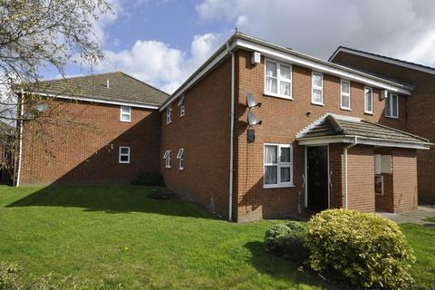 1 bedroom ground floor flat to rent - Wallers Close, Dagenham