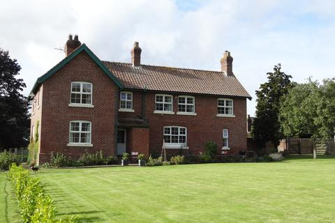 5 bedroom detached house to rent - North Dalton, Driffield