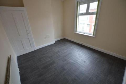 3 bedroom terraced house to rent - Dundonald Road, Leicester LE4