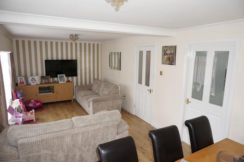 3 bedroom terraced house to rent - Cedar Road, Abronhill, Cumbernauld G67