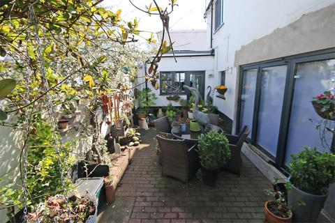 2 bedroom semi-detached house to rent - Pittville, Cheltenham