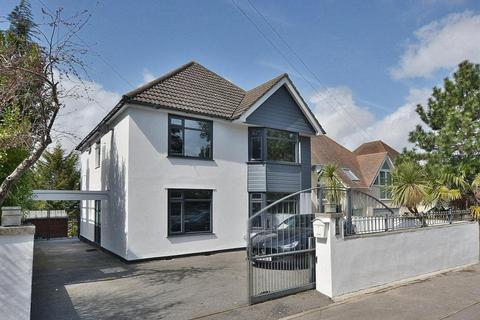 4 bedroom detached house for sale - Canford Cliffs Road, Penn Hill, Poole, BH13 7AA