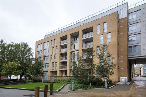 2 bedroom flat to rent - Caspian Apartments, 5 Salton Square, London, E14