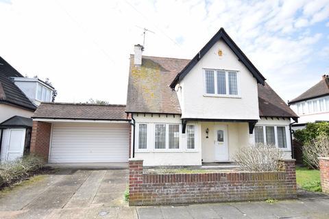 3 bedroom detached house for sale - Avondale Road, Clacton-on-Sea