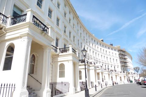 1 bedroom flat to rent - Adelaide Crescent Hove BN3