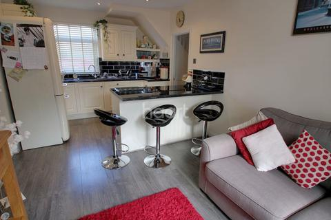 3 bedroom semi-detached house for sale - Glenhills Boulevard, Leicester