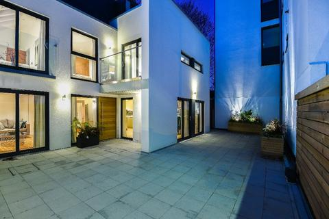 4 bedroom detached house for sale - The House @ ICon, Montefiore Road Brighton  BN3
