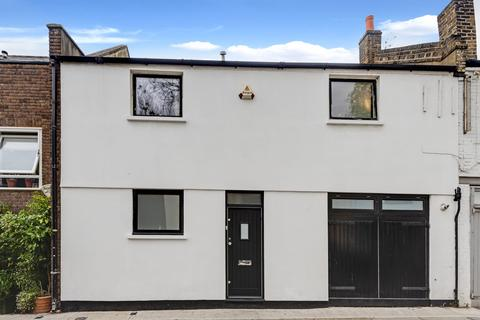 4 bedroom terraced house for sale - Camden Mews, London, NW1