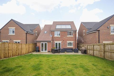 4 bedroom detached house for sale - 5 Medcalf Court, Five Mile Park, Wideopen