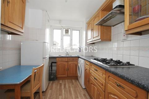 4 bedroom flat to rent - Mile End Road, E1