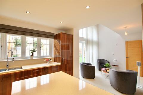 5 bedroom detached house for sale - Bowlby Hill, Gilston, Harlow