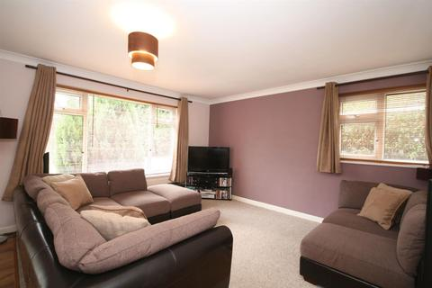 2 bedroom apartment for sale - Hawksworth Road, Horsforth